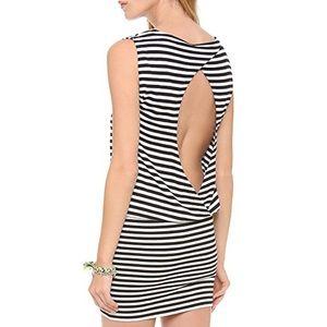 NEW alice + olivia Maryanne Keyhole Back Dress NWT